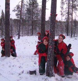 elves-in-snow.jpg